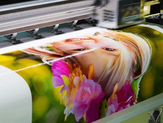 УФ печать на самоклеющейся пленке